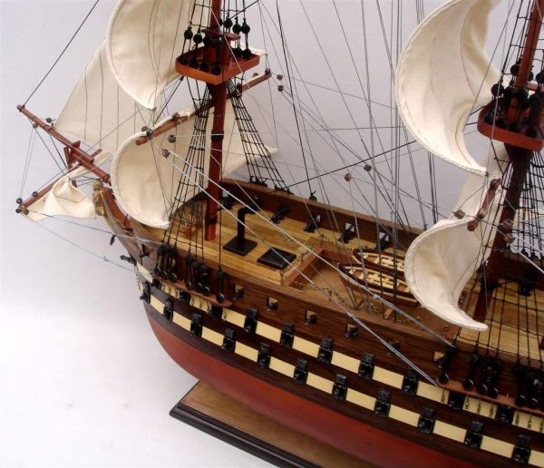 2012-11836-Uss-North-Carolia-model-boat