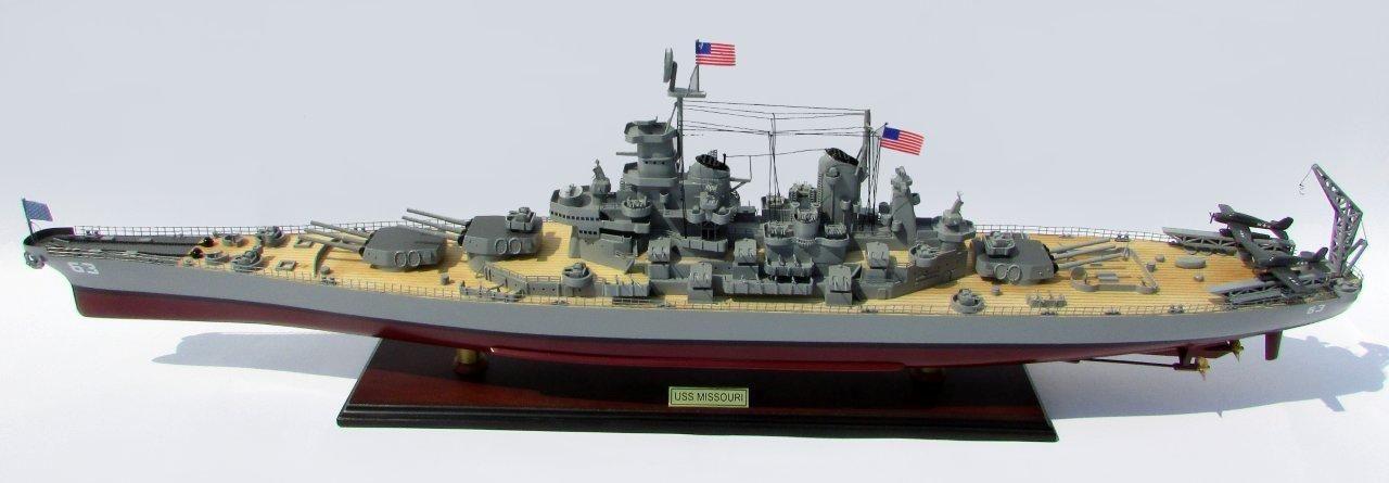 2015-12589-USS-Missouri-model-boat