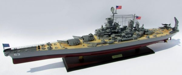 2015-12590-USS-Missouri-model-boat