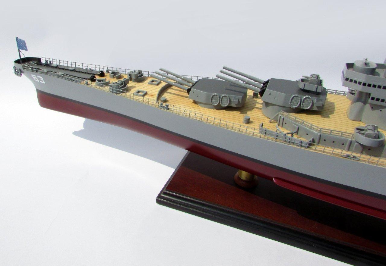 2015-12595-USS-Missouri-model-boat