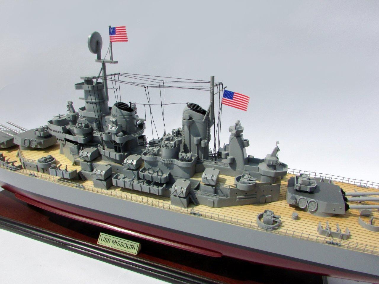2015-12596-USS-Missouri-model-boat