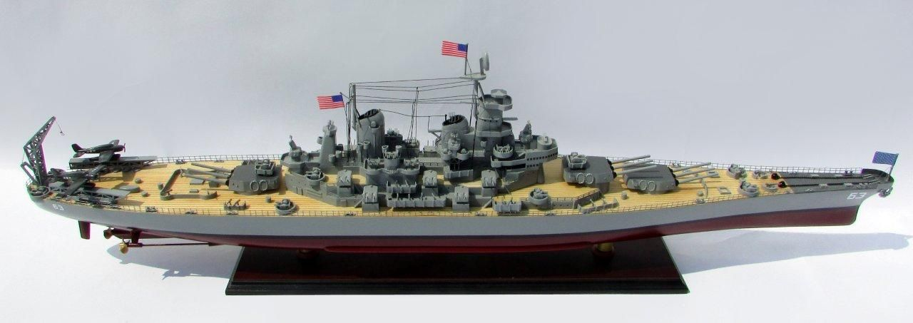 2015-12599-USS-Missouri-model-boat