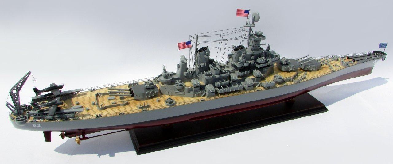 2015-12600-USS-Missouri-model-boat