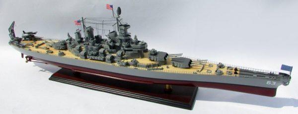 2015-12601-USS-Missouri-model-boat