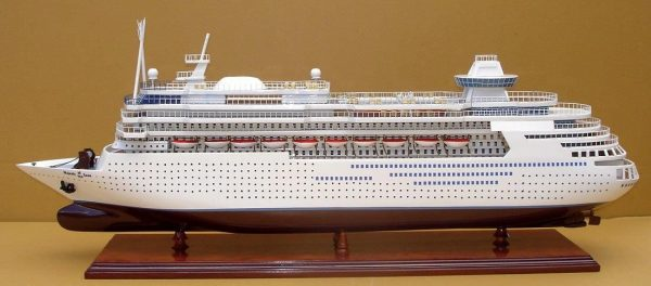 Majesty of the Seas Model Boat - GN (CS0006P)