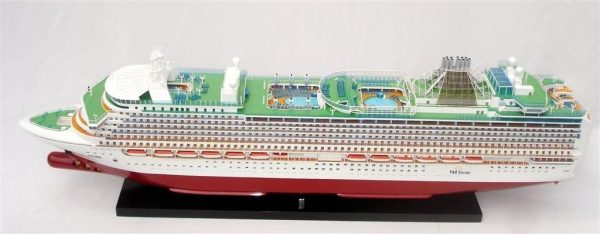2034-12550-MS-Azura-Model-Boat