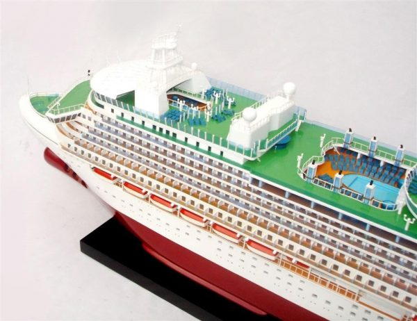 2034-12556-MS-Azura-Model-Boat