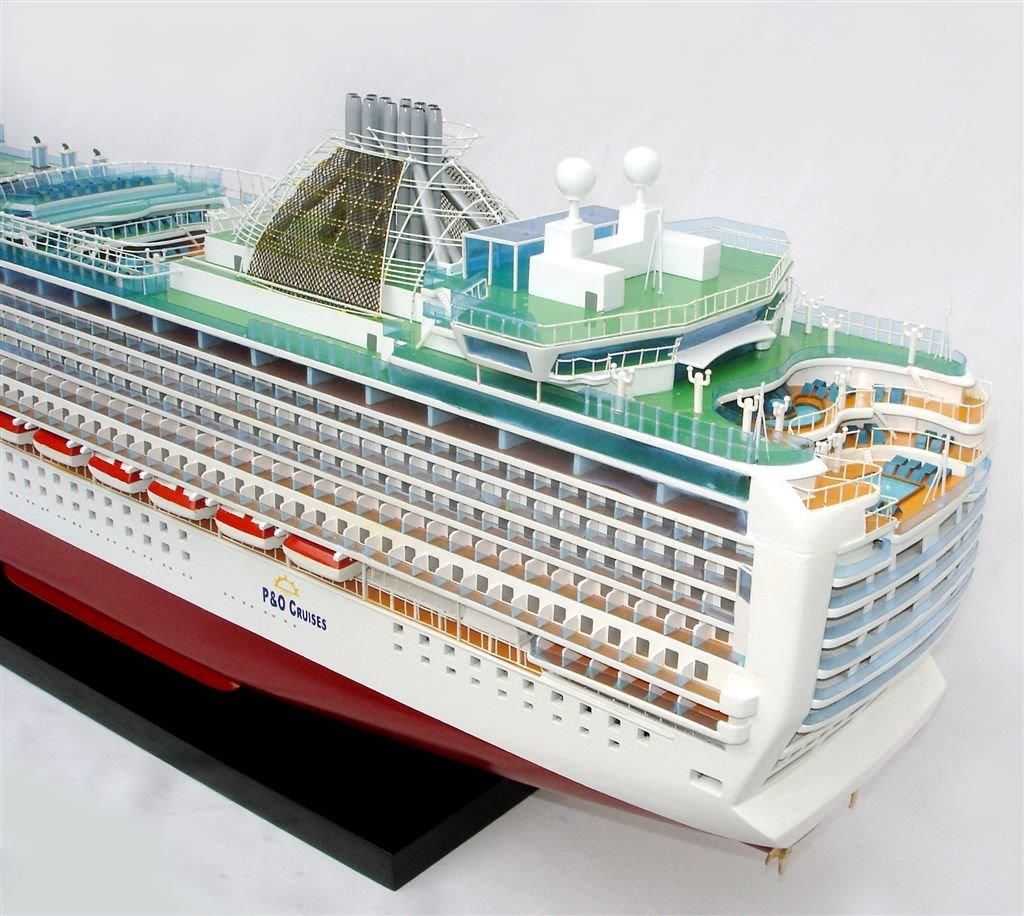 2034-12558-MS-Azura-Model-Boat