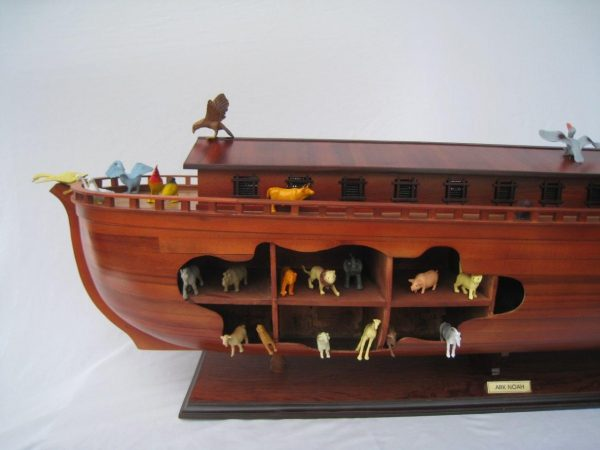 2043-12562-Noahs-Ark-Model-Boat
