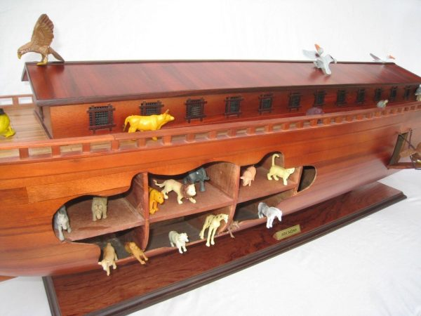 2043-12564-Noahs-Ark-Model-Boat