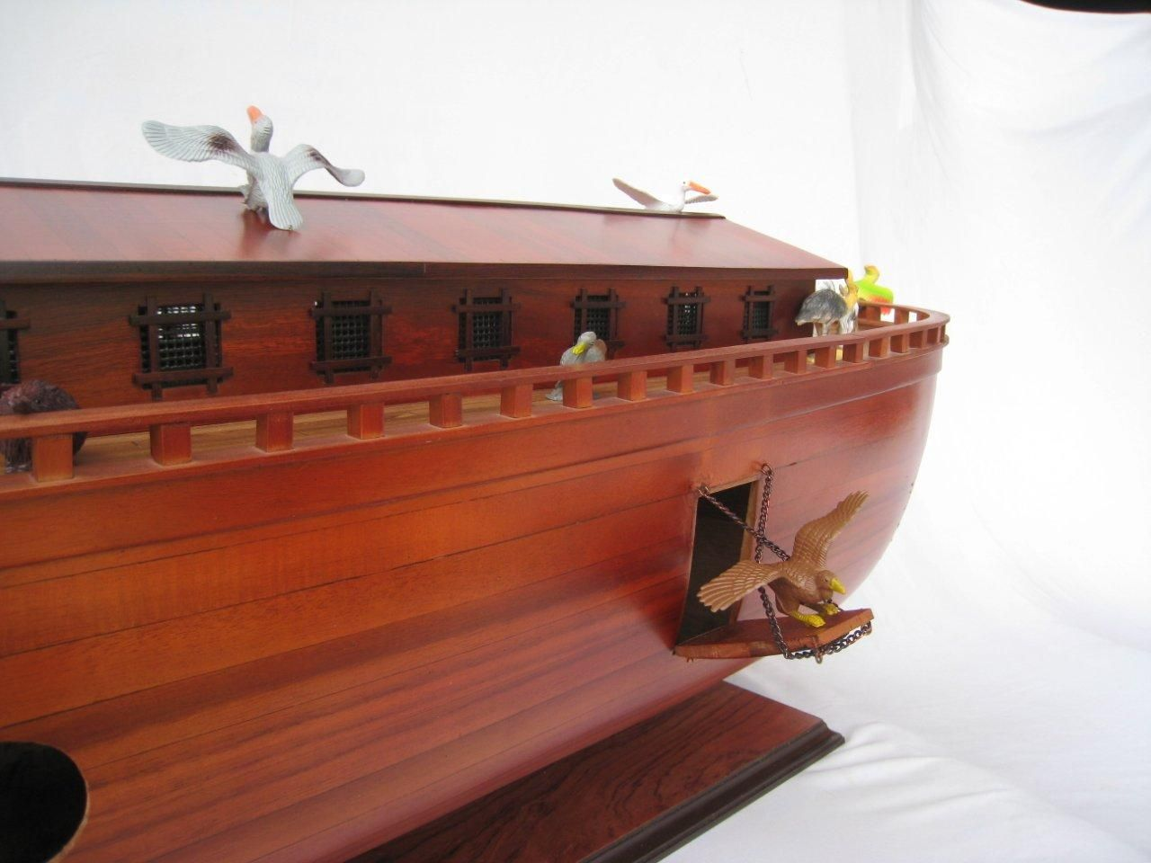 2043-12573-Noahs-Ark-Model-Boat