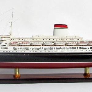 SS Leonardo Da Vinci Black & Red Hull Ship Model - GN (CS0097P)