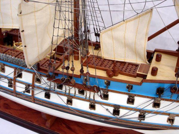 2073-12275-Le-Protecteur-Model-Ship