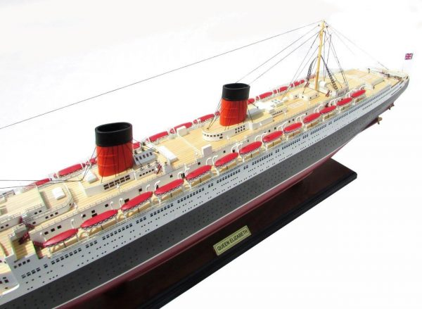 2087-12388-Queen-Elizabeth-Model-Ship