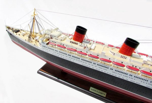 2087-12389-Queen-Elizabeth-Model-Ship