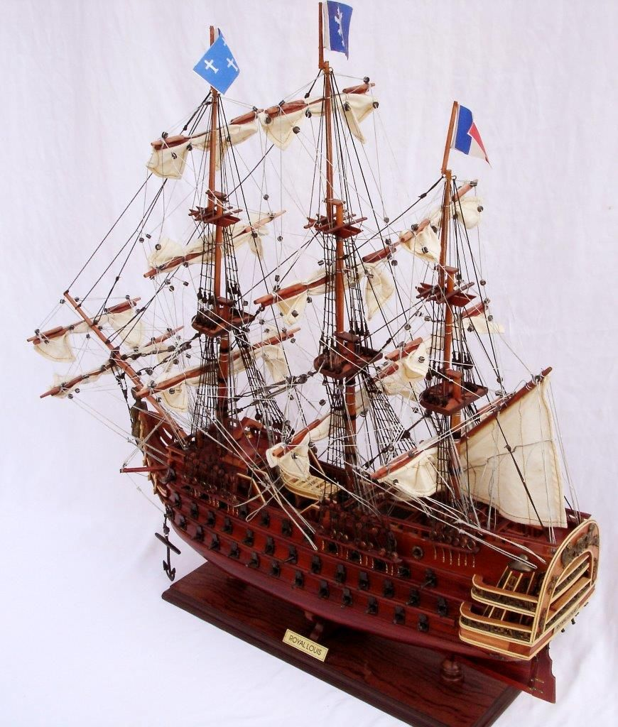 2093-12430-Royal-Louis-Ship-Model