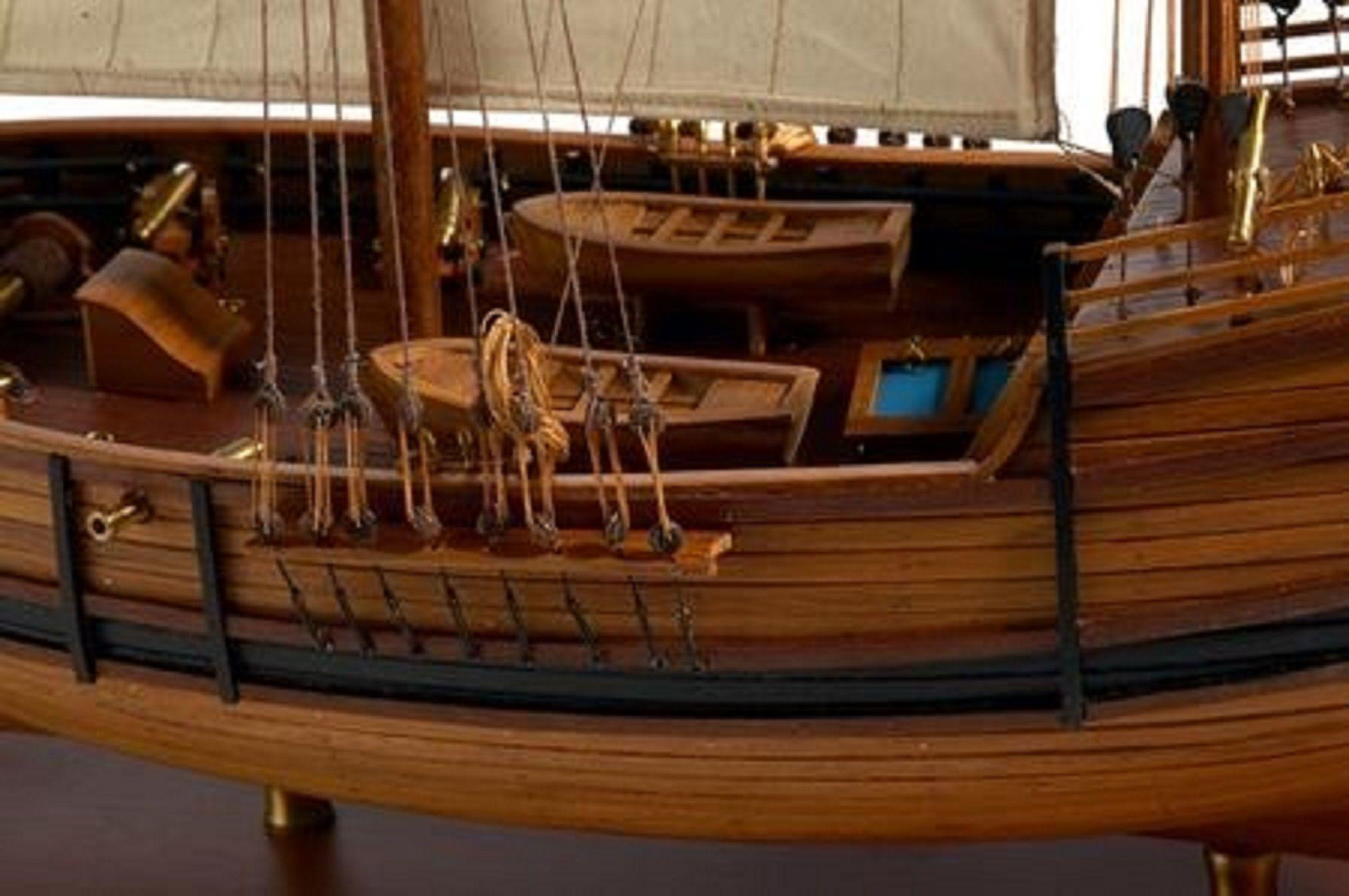 217-7200-Caravel-model-ship-Premier-Range