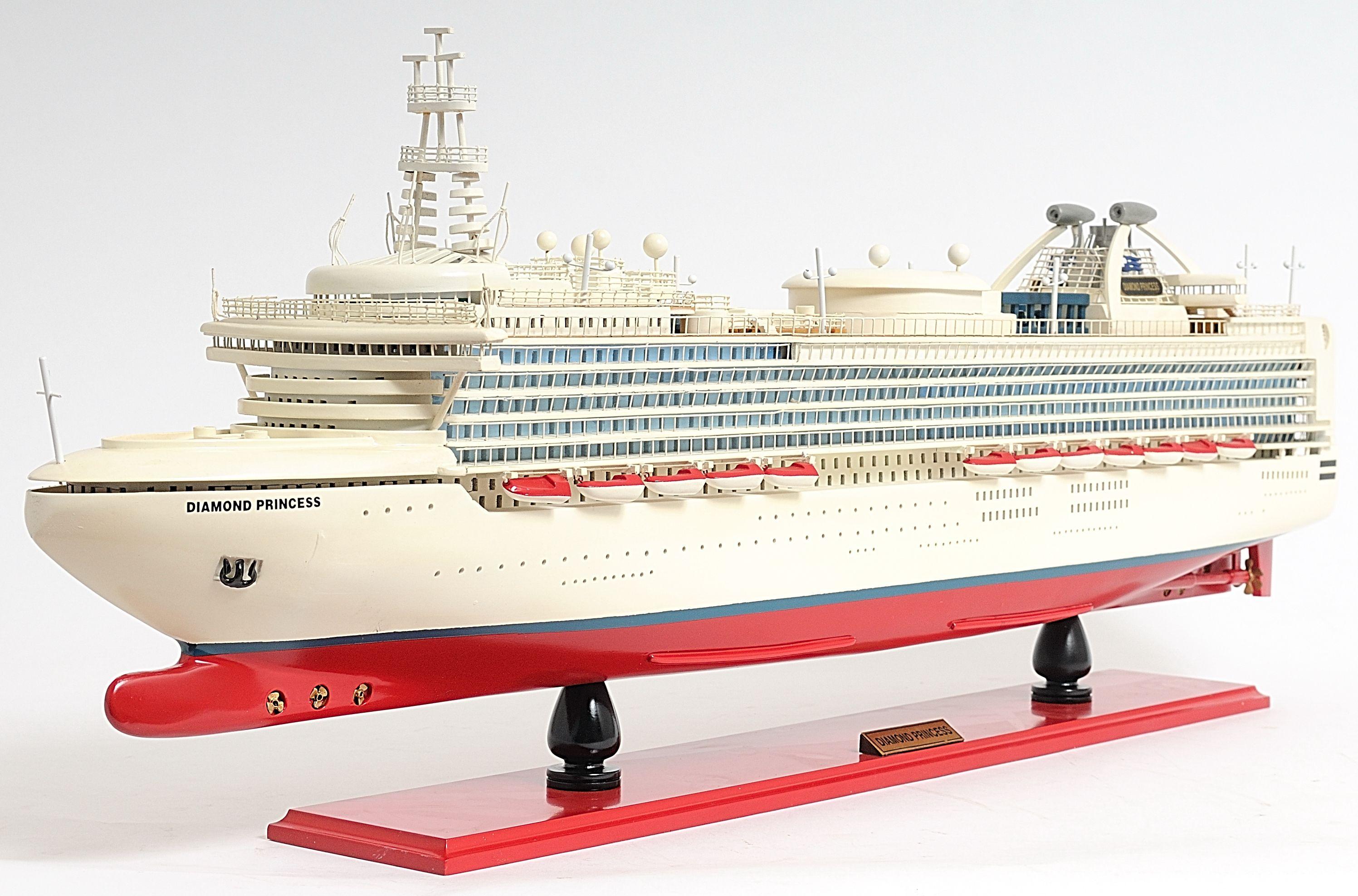2262-13137-Diamond-Princess-Model-Boat