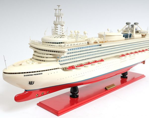 2262-13138-Diamond-Princess-Model-Boat