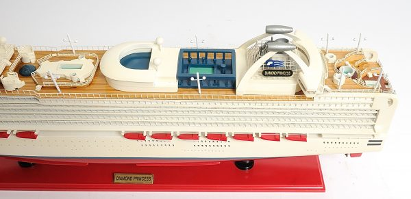 2262-13139-Diamond-Princess-Model-Boat