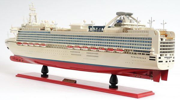 2262-13140-Diamond-Princess-Model-Boat