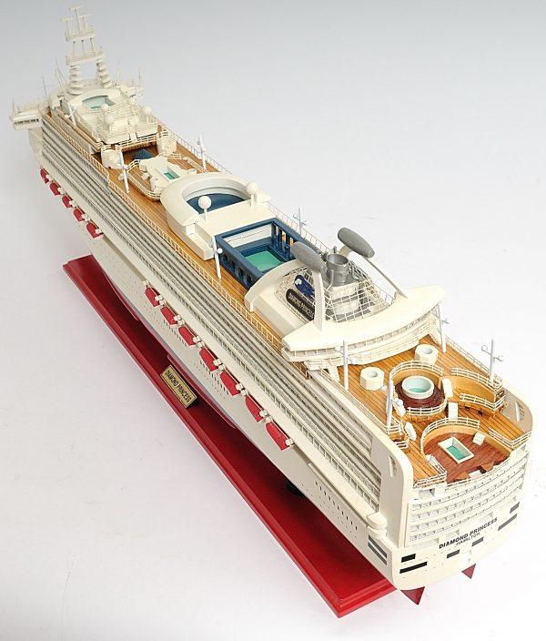2262-13141-Diamond-Princess-Model-Boat