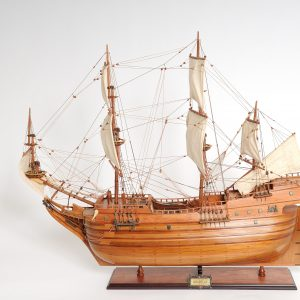2277-12988-Arabella-Model-Ship