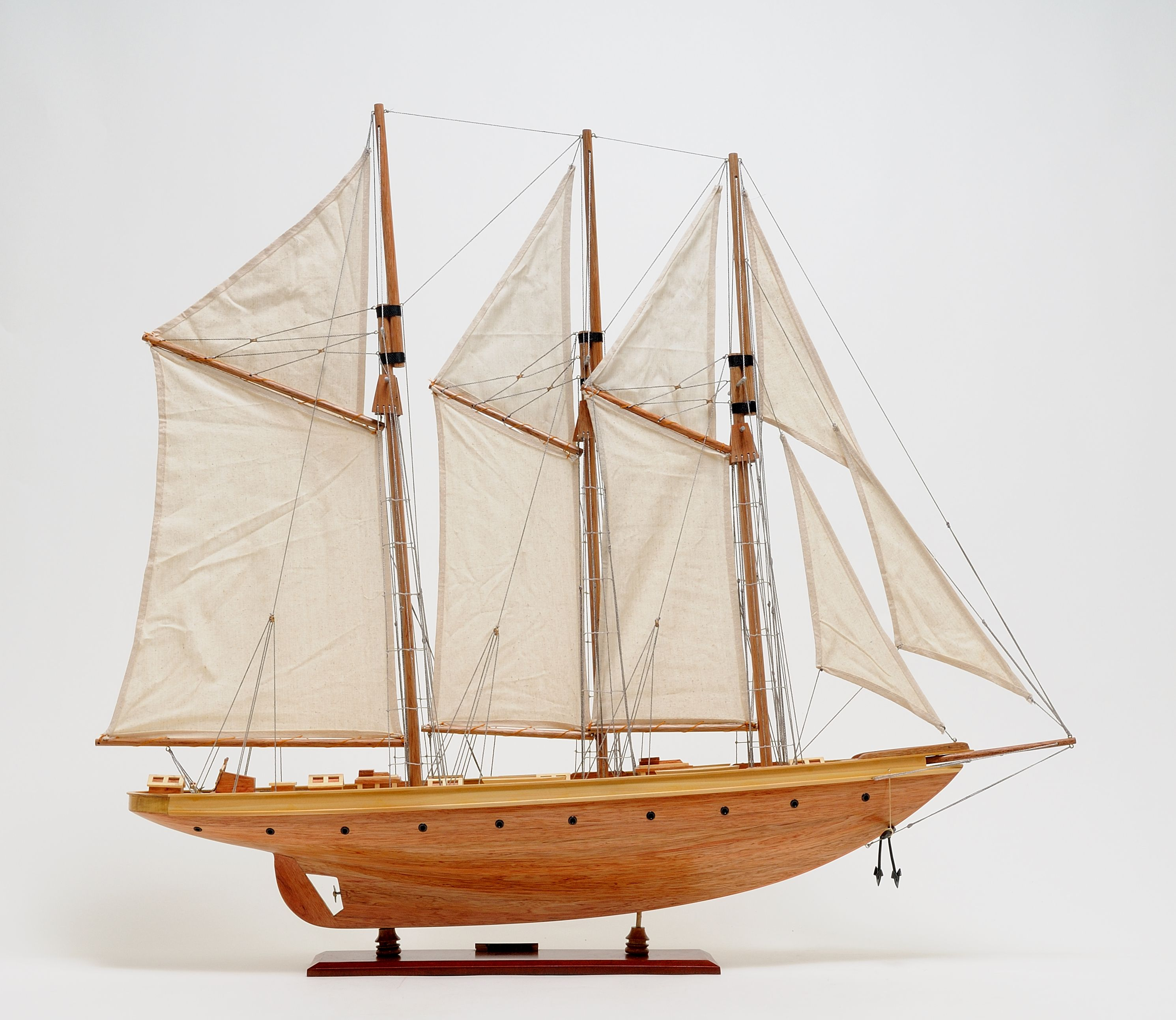 2278-13029-Atlantic-Model-Yacht