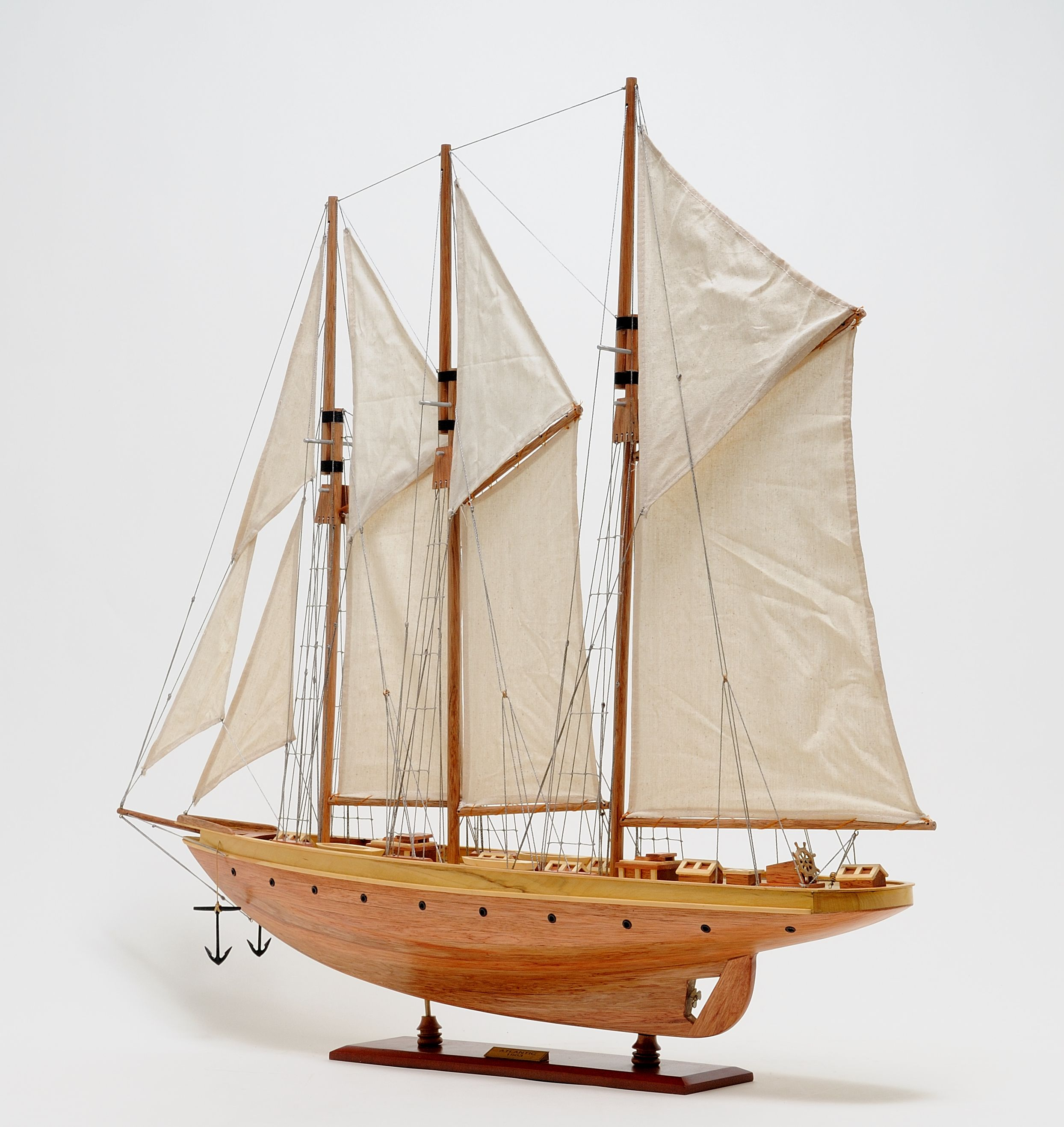 2278-13030-Atlantic-Model-Yacht
