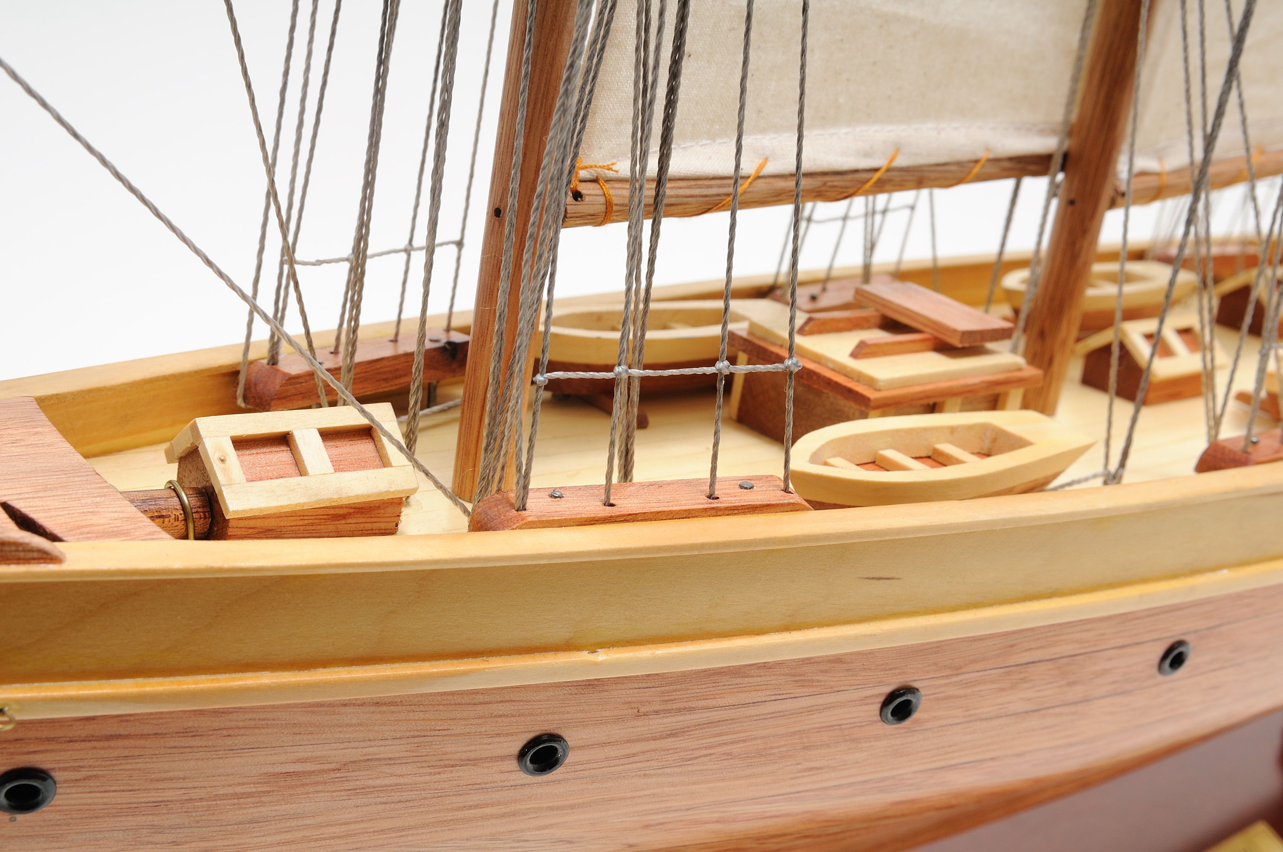 2278-13031-Atlantic-Model-Yacht