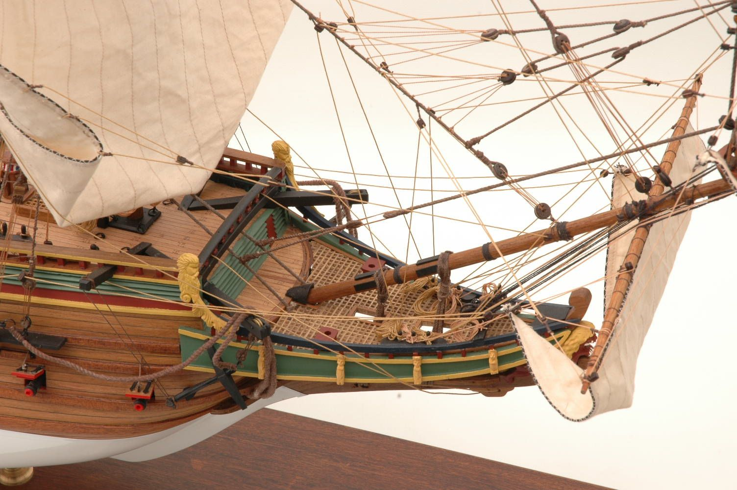 228-6946-Batavia-model-ship-Premier-Range