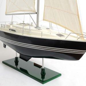 2282-13316-Victory-Model-Yacht