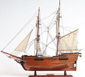 2288-13303-Lady-Washington-Model-Boat