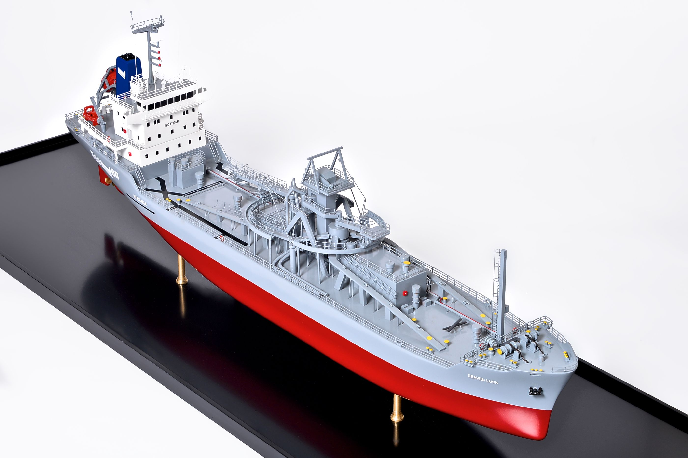 2474-14113-Seaven-Luck-Model-Ship