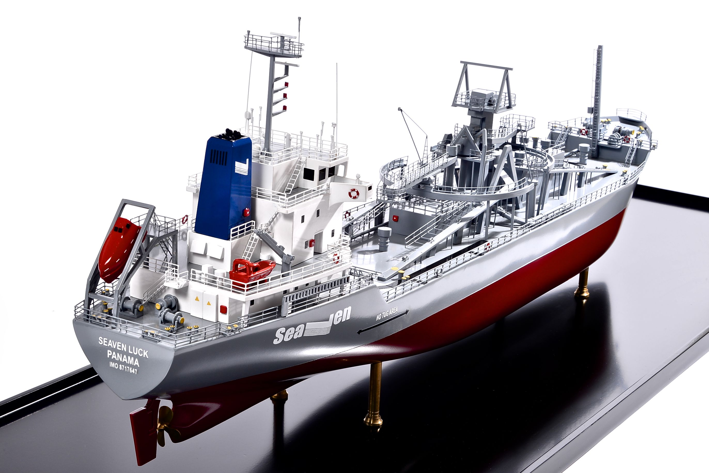 2474-14139-Seaven-Luck-Model-Ship