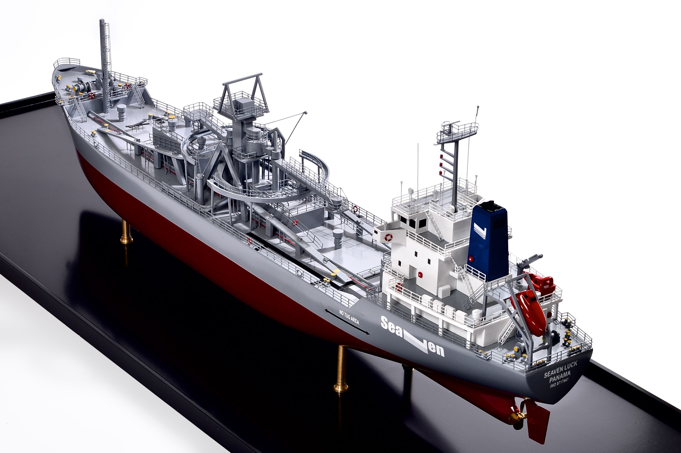 2474-14145-Seaven-Luck-Model-Ship