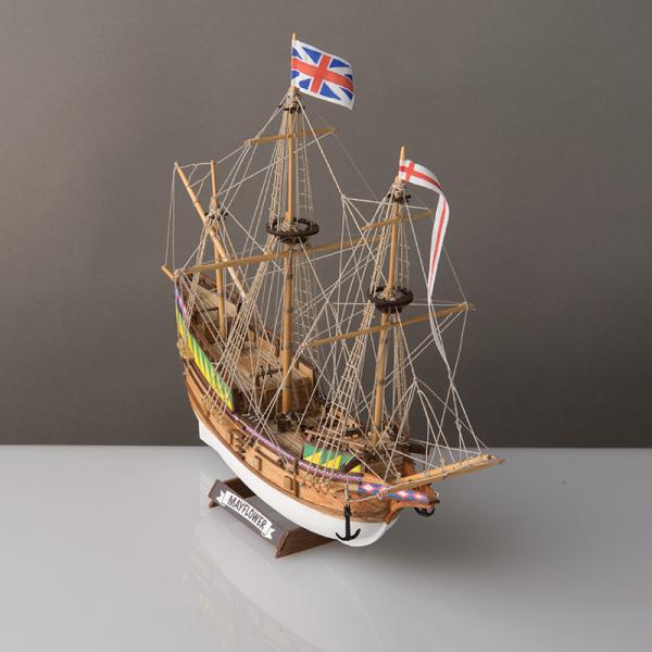 Mayflower Model Kit 1 to 140 Scale - Corel (SM103)