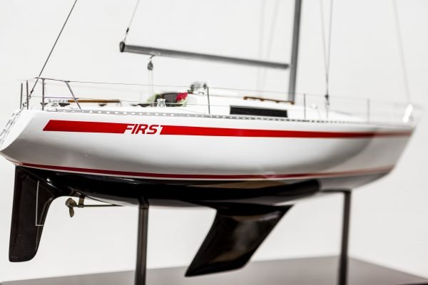 2531-14406-Beneteau-First-30-Model-Yacht-Superior-Range