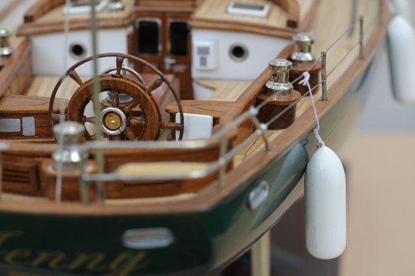 2532-14389-70ft-Hoeck-Design-Model-Sailing-Boat-Superior-Range