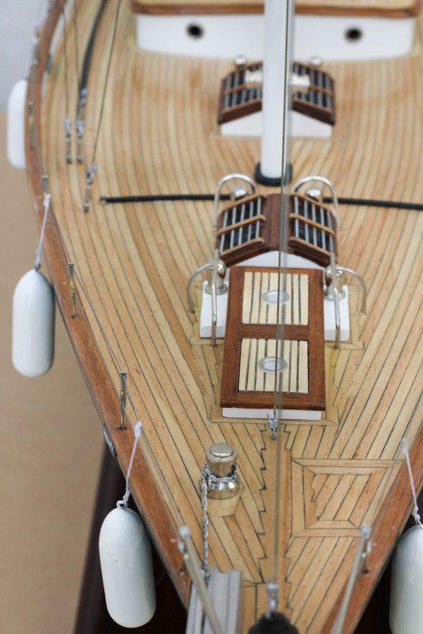 2532-14390-70ft-Hoeck-Design-Model-Sailing-Boat-Superior-Range