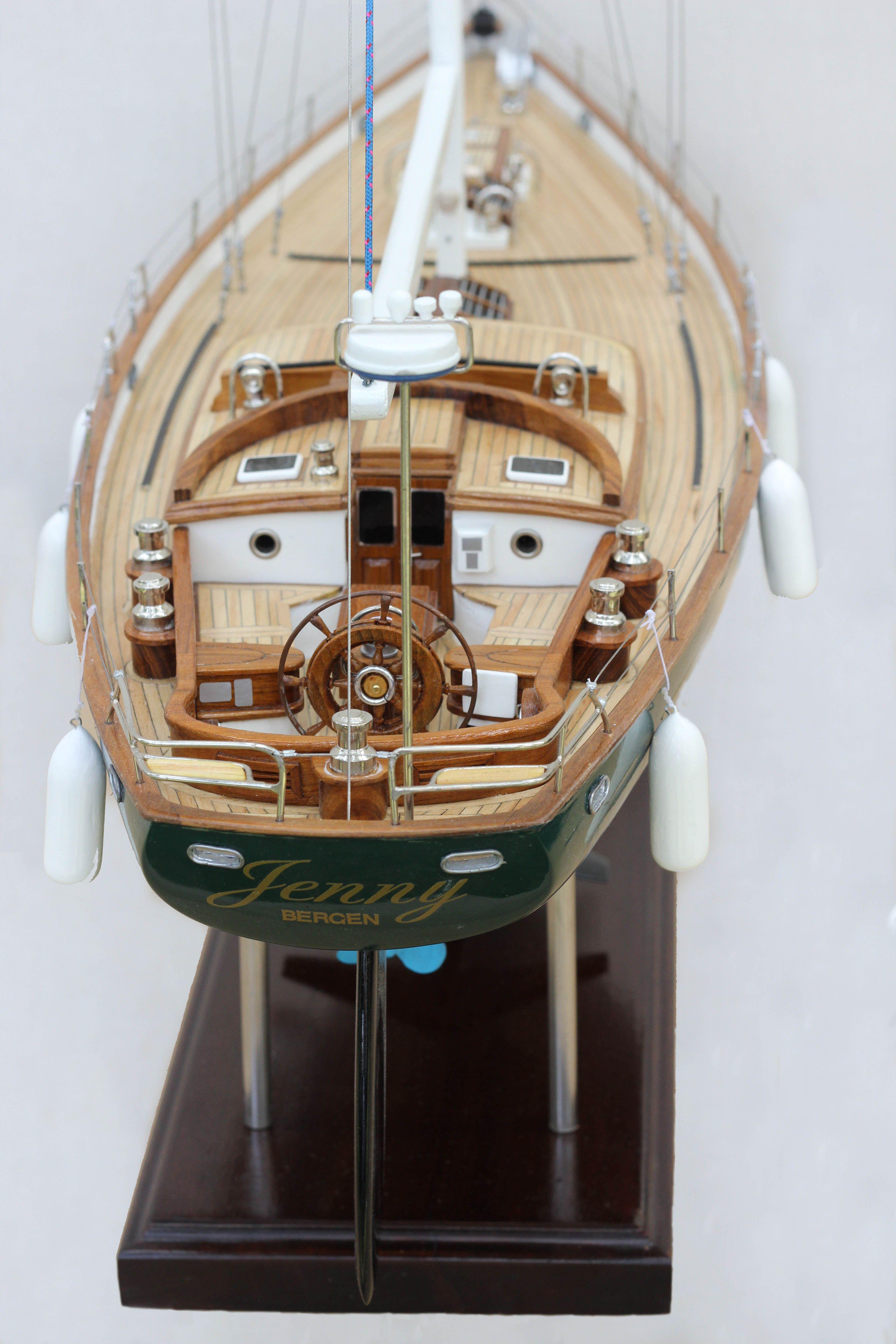 2532-14393-70ft-Hoeck-Design-Model-Sailing-Boat-Superior-Range