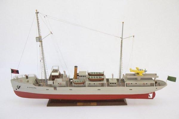 2533-14397-Aurore-Tintin-Model-Ship-Superior-Range