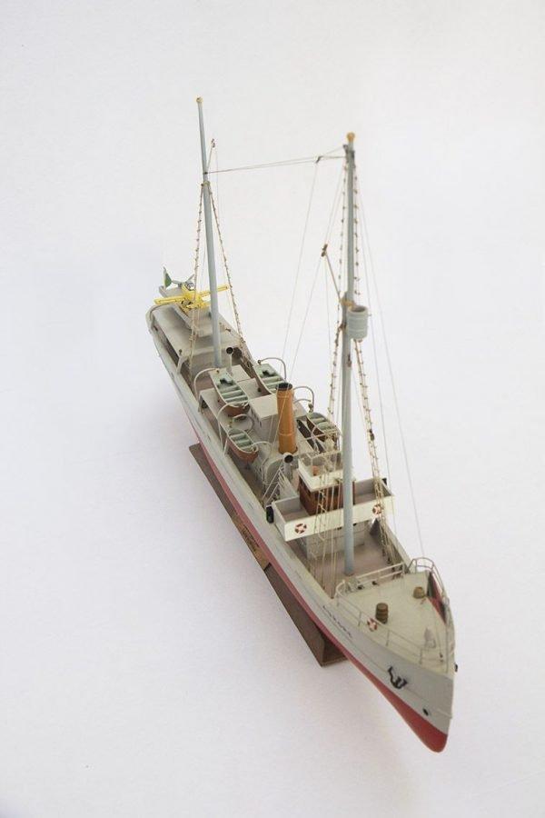 2533-14398-Aurore-Tintin-Model-Ship-Superior-Range