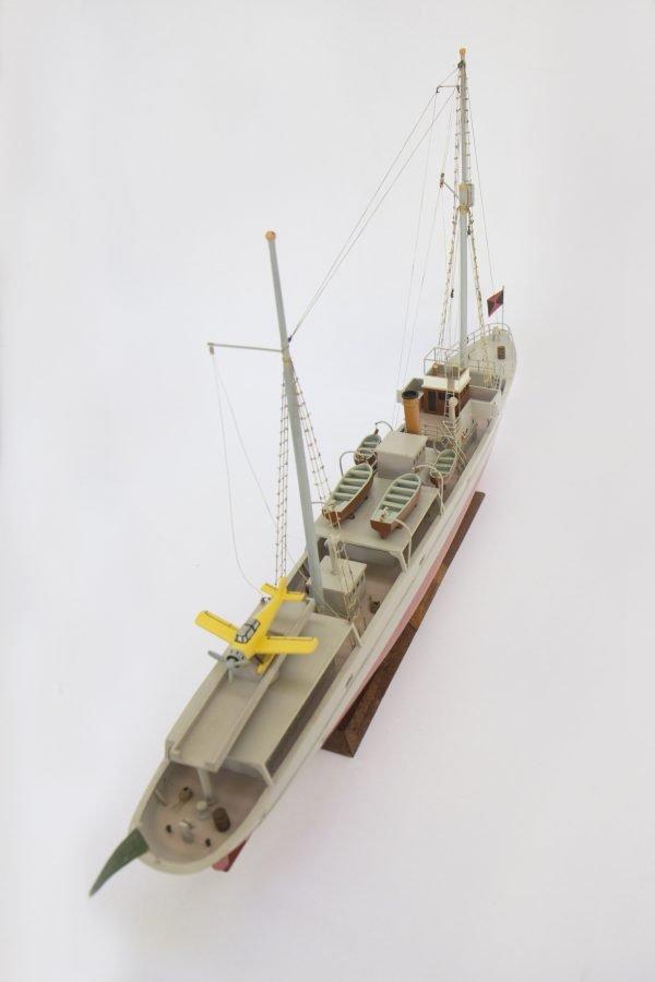 2533-14401-Aurore-Tintin-Model-Ship-Superior-Range