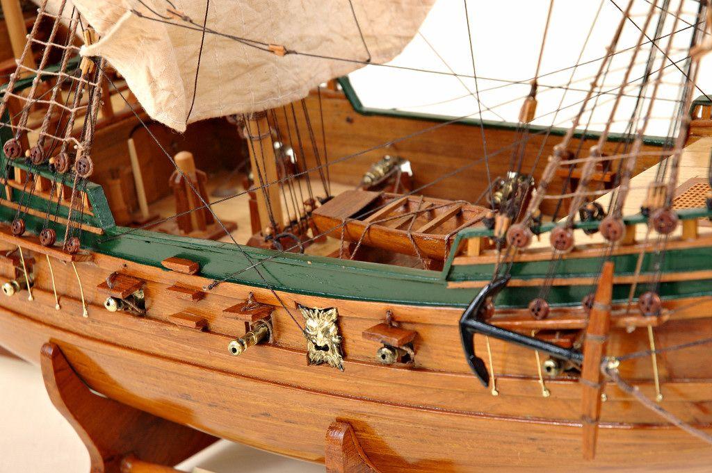 2536-14416-Berlin-Ship-Model-Superior-Range