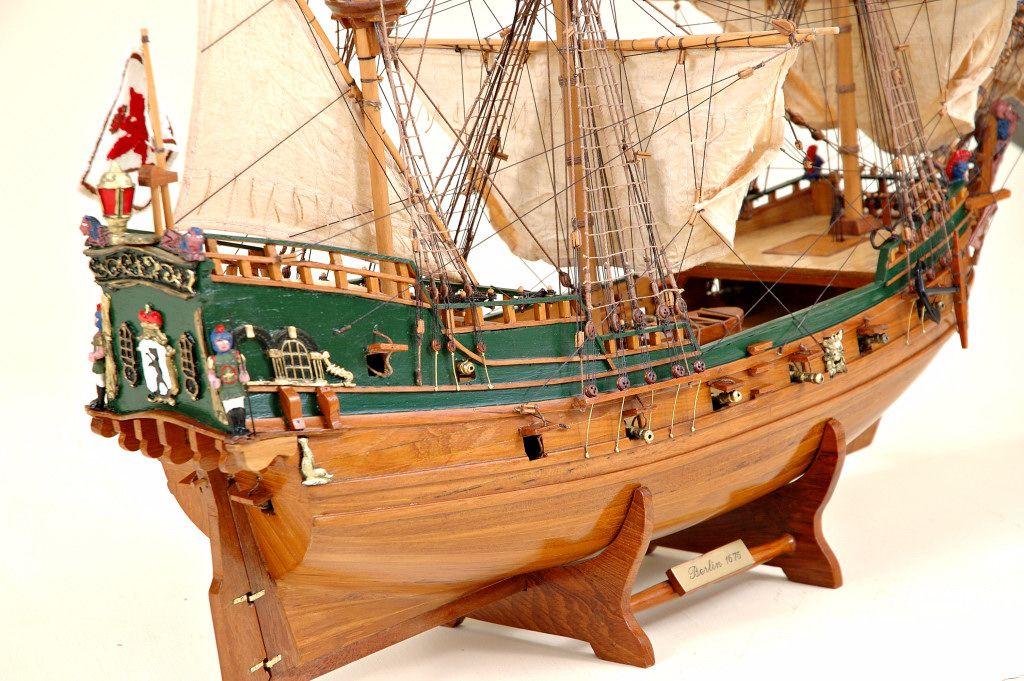 2536-14418-Berlin-Ship-Model-Superior-Range