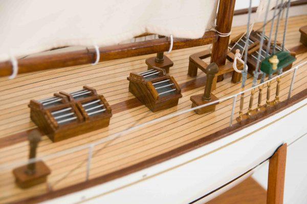 2539-14431-Dorade-Model-Yacht-Superior-Range