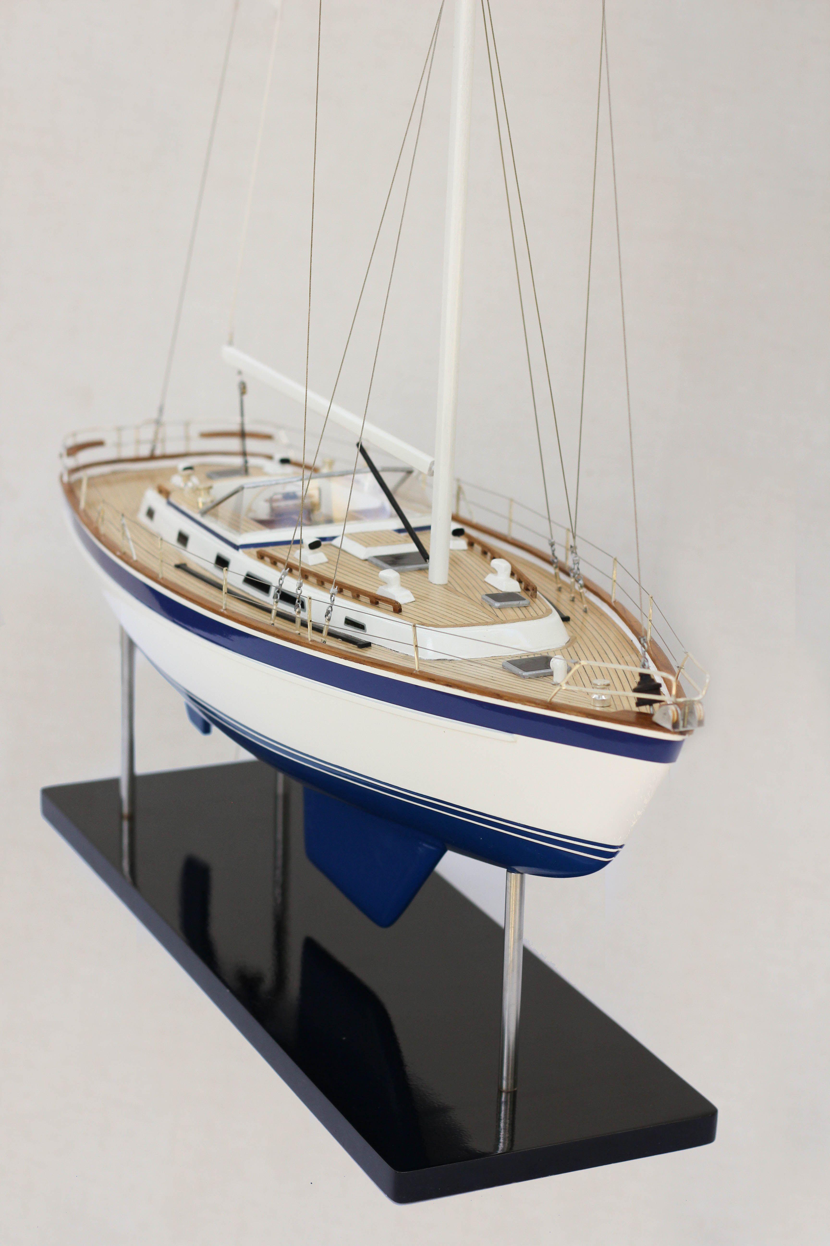 Halberg Rassy 42 Model Sailing Boat (Superior Range) - HM