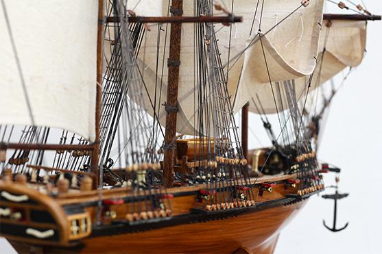 2547-14477-La-Confiance-Historical-Ship-Model-Superior-Range