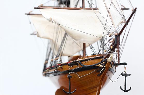 2547-14479-La-Confiance-Historical-Ship-Model-Superior-Range